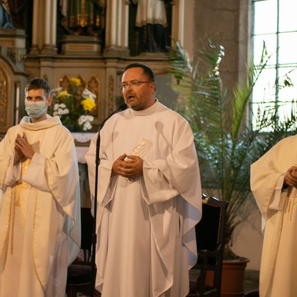 Slávnostná svätá omša