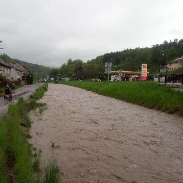 Hladina vody v rieke Handlovka a jej prítokoch 17. 5. 2021