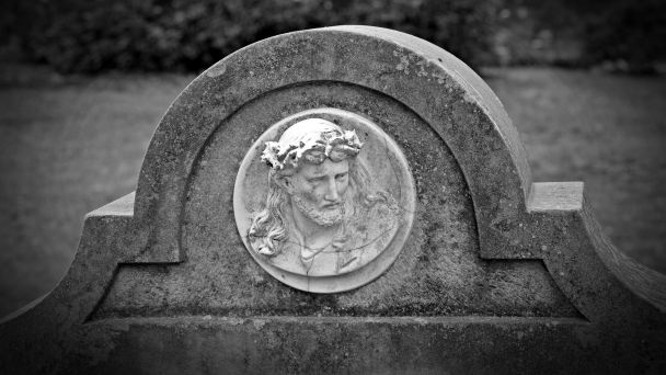 Výzva pre nájomcov hrobových miest
