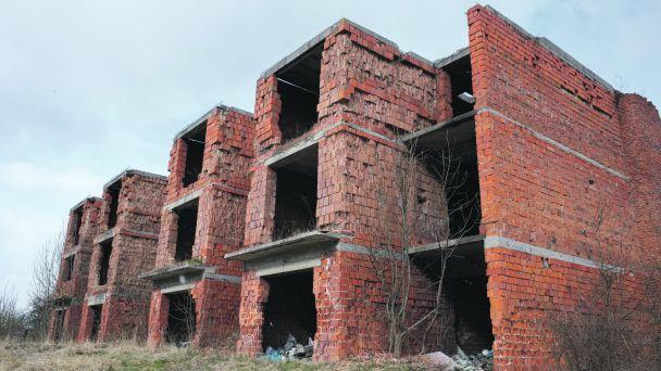 K ruine na Žiarskej ulici sa nehlási nikto
